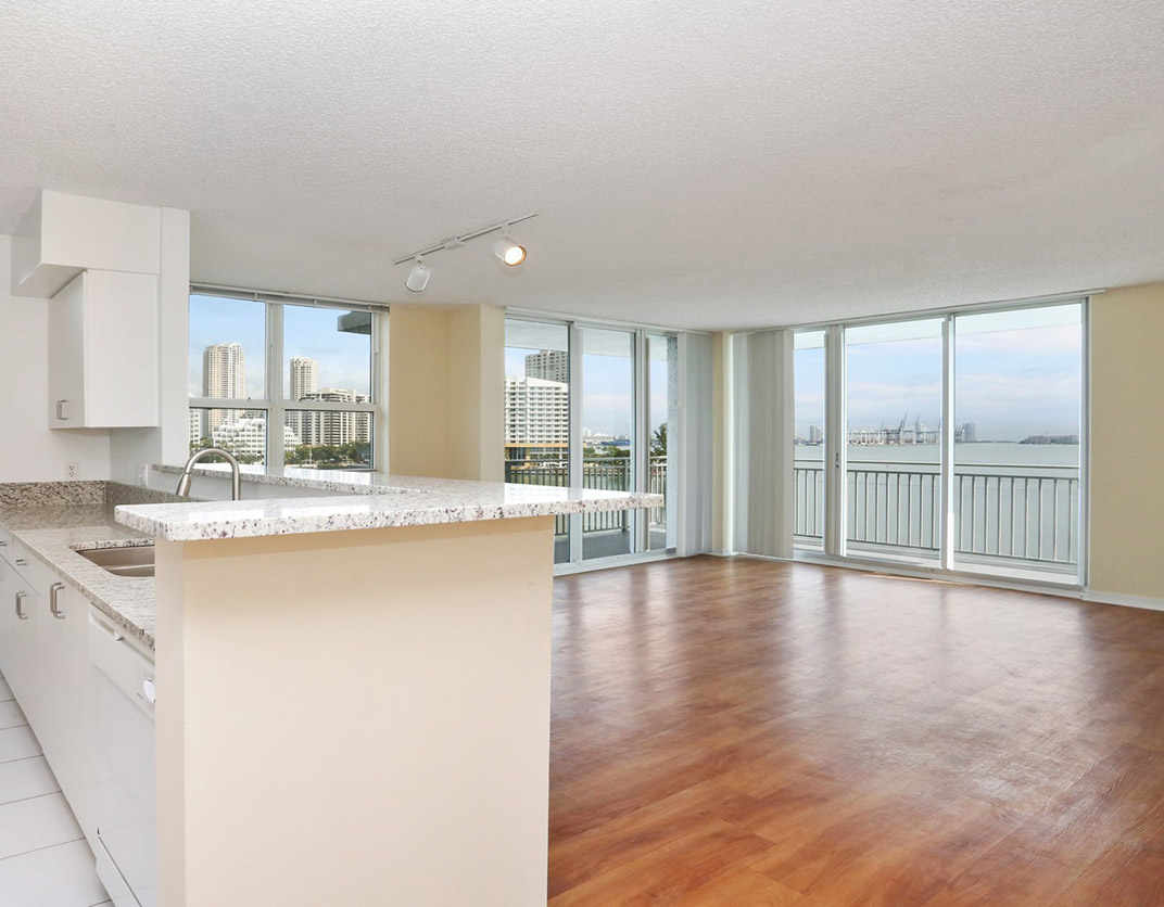 Yacht Club Apartments - Miami, FL - Interior Kitchen