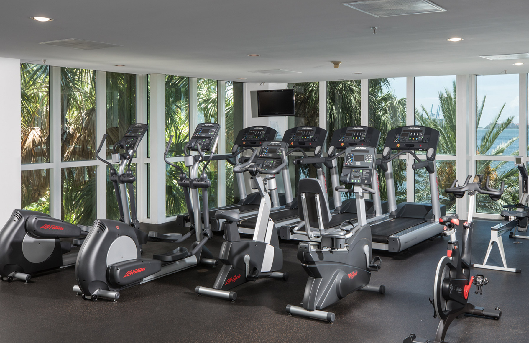 Yacht Club Apartments - Miami, FL - Fitness Center