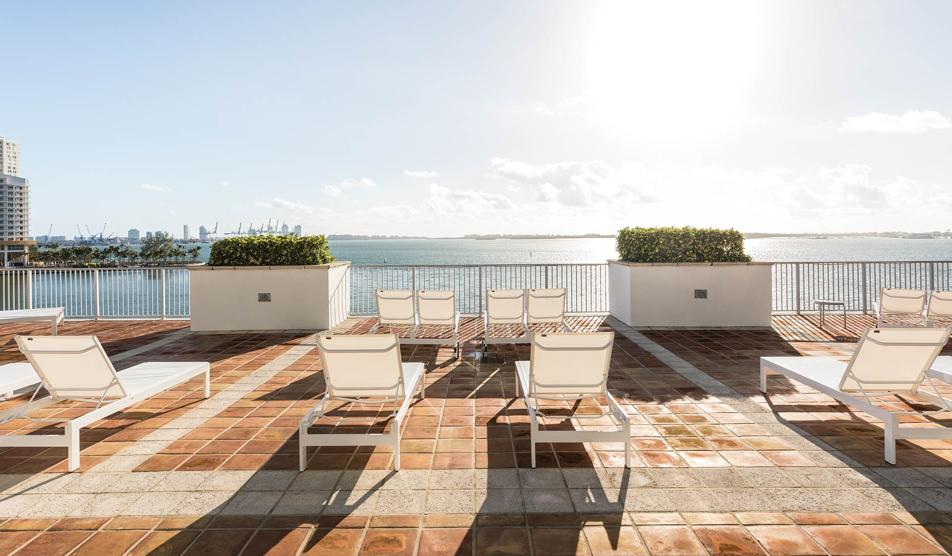Yacht Club Apartments - Miami, FL - Patio