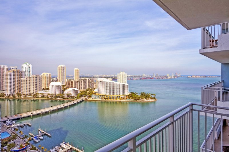 Yacht Club At Brickell Apartments In Miami Balcony